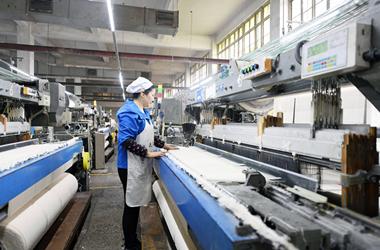 印度疫情重创全球制造业,Suntech 电动轴车解决人工短缺问题