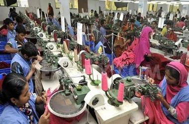 全球纺织行业受到疫情重创,Suntech智能电动轴车助力纺织生产